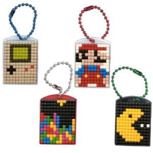 Pixel Schlüsselanhänger 4er Geschenk Set